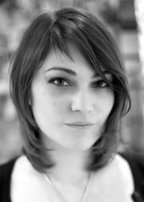 AmandaSchoofs_Composer-Vocalist_Headshot